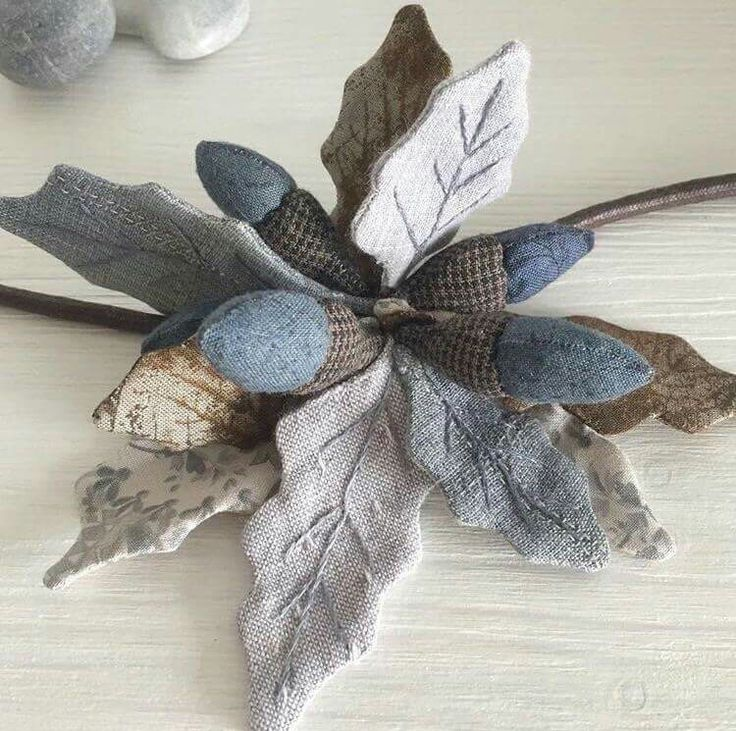 BEAUTIFUL FELTED LEAVES - HEATHER COLORED - Centro