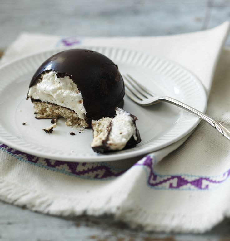 Try Paul Hollywood's step-by-step recipe for chocolate marshmallow teacakes