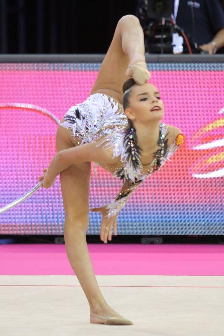 Dina AVERINA (Russia)🇷🇺 ~ Hoop @ European Championship Budapest-Hungary🇹🇯 😘😘 Photographer 🇹🇯Daniel Palhegyi.