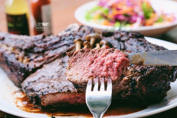 """The Australian Wagyu Steak 1.7kg should be on your bucket list of """"steaks to try before you die"""" 😍"""
