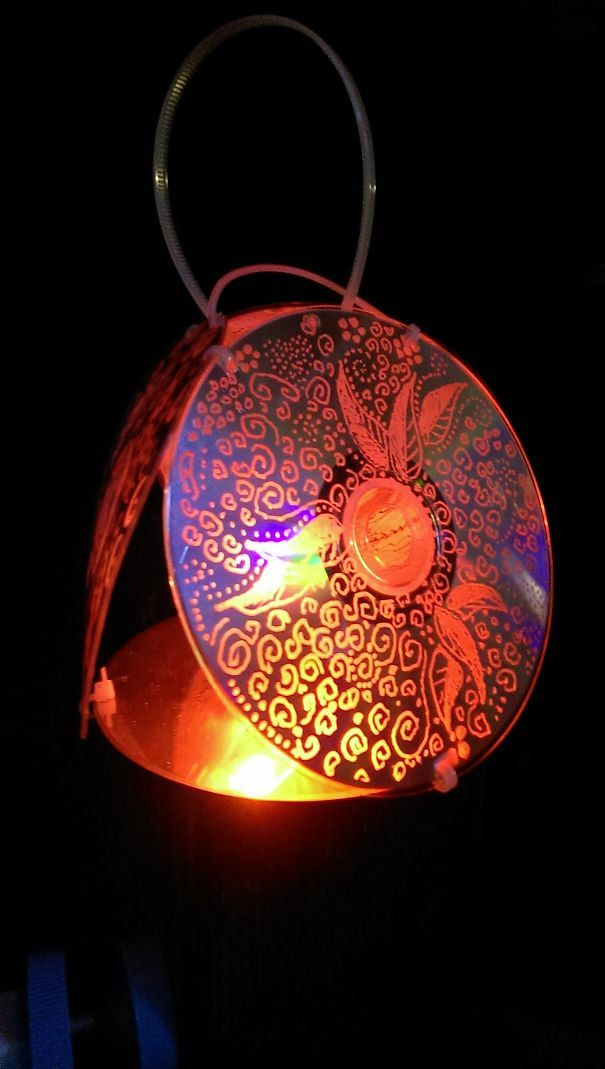 Linterna hecha con CD