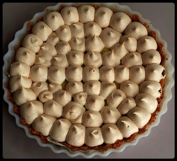 Delicious lemon meringue tart