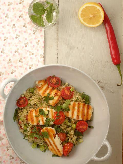 Lekker recept voor een quinoa salade met halloumi. Lekker en gezond.