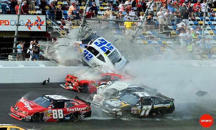 """""""@USA TODAY Sports: Scary scene as Kyle Larson went into the fence on the final lap of Nationwide race at Daytona"""" : twitter"""