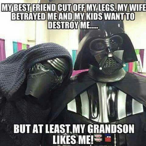 Darth Vader - Meu melhor amigo cortou minhas pernas,...e meus filhos querem me destruir...Mas pelo m...