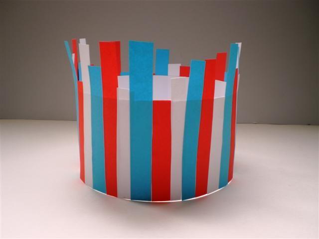 Kroon voor koninginnedag, ook een leuk idee om een bloempot/vaas mee te…