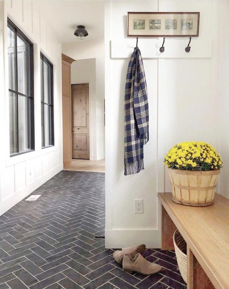 Farmhouse Hallway Design Ideas Easy Methods To Include Some Appeal As Well As Personality To Create A Beau Hallway Designs Mudroom Flooring Farmhouse Mudroom