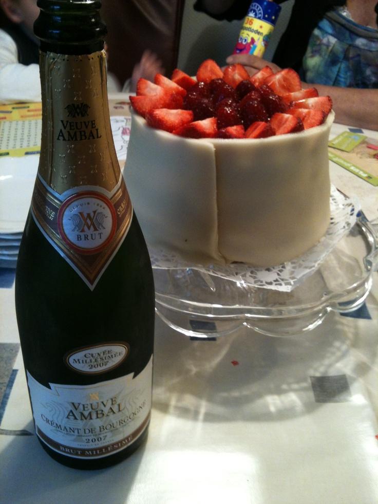 Houd je van wijn ? Check http://Wijngek.TV