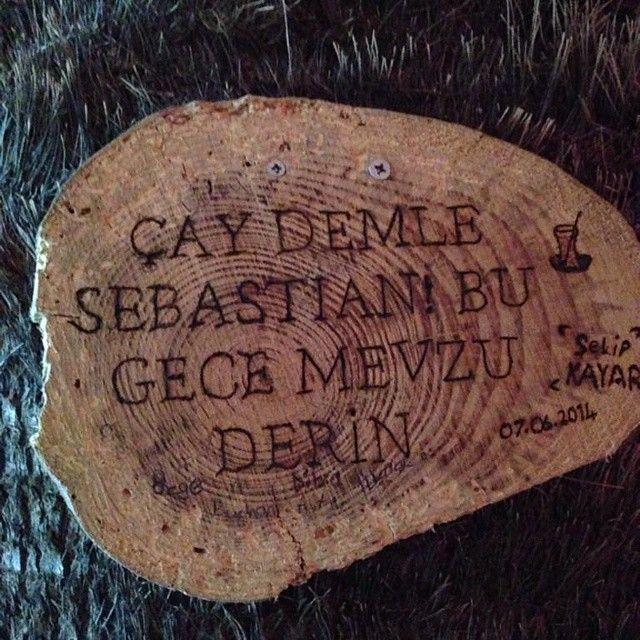 Çay demle Sebastian, bu gece mevzu derin...