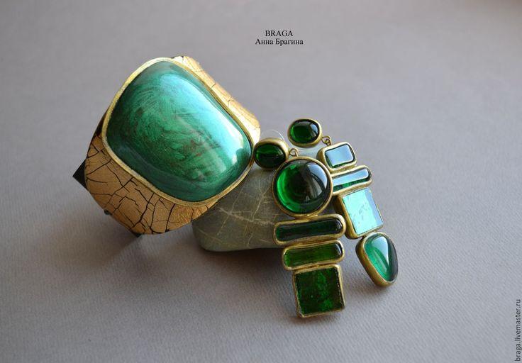 Купить Браслет из полимерной глины на коже. - зеленый, изумрудный, браслет, изумрудно-золотой браслет