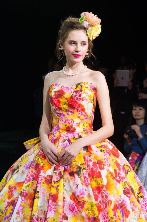 蜷川実花が手掛けるブランド「M / mika ninagawa」からウエディングコレクションデビューの写真17