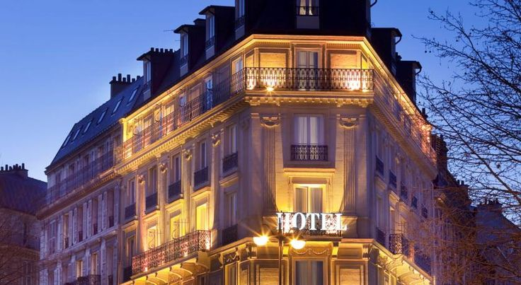 Hotel Champs Elysées Friedland by Happyculture Paris This hotel is located 500 metres from the Champs-Elysées and the Arc de Triomphe.  Rooms at Champs Elysées Friedland are furnished in printed fabrics and are contemporary in style.