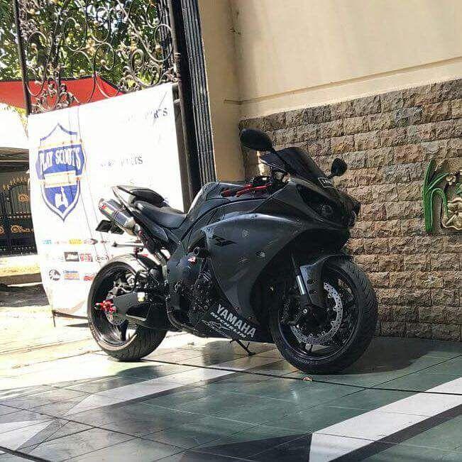 INFO MOGE BEKAS : Dijual R1 Yamaha 2010 FullPaper Pajak Hidup