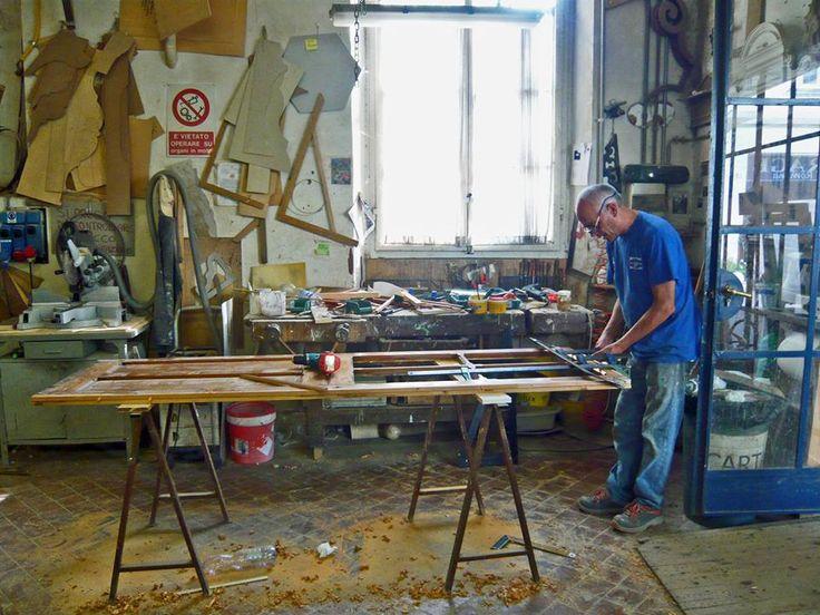 La falegnameria della Riccardo Barthel: gli artigiani a lavoro!