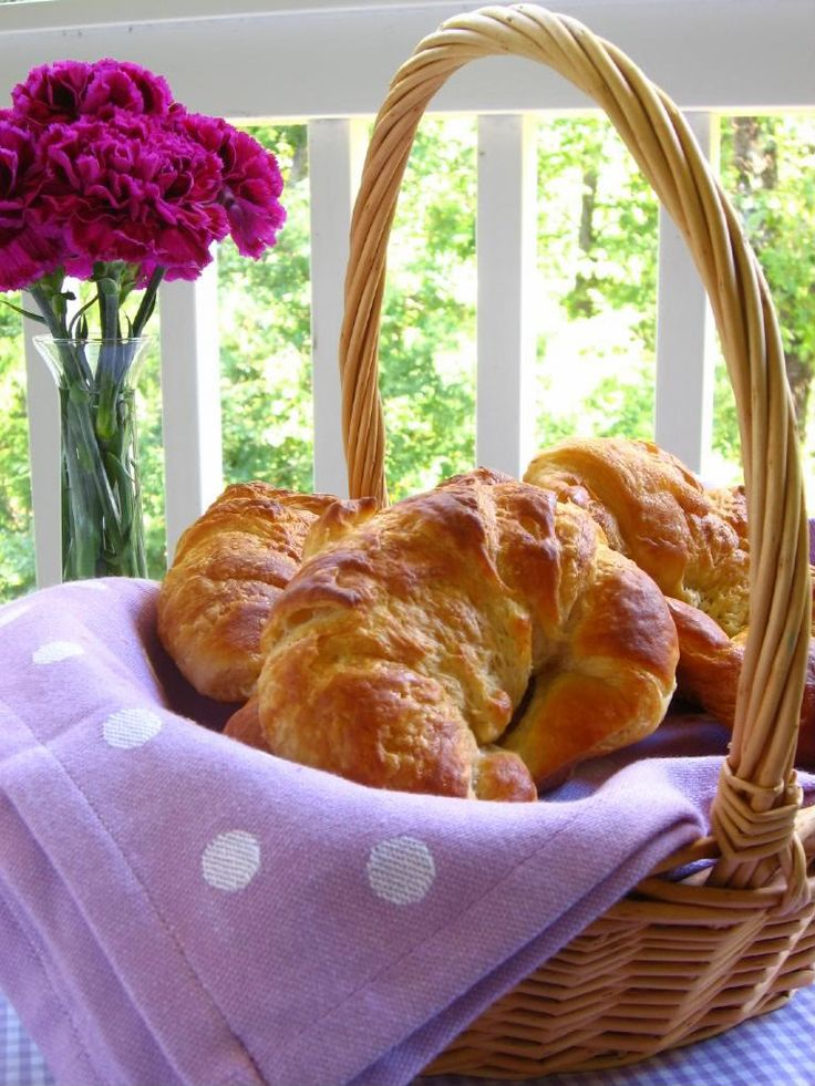 Phototutorial for making buttery, flaky homemade croissants!