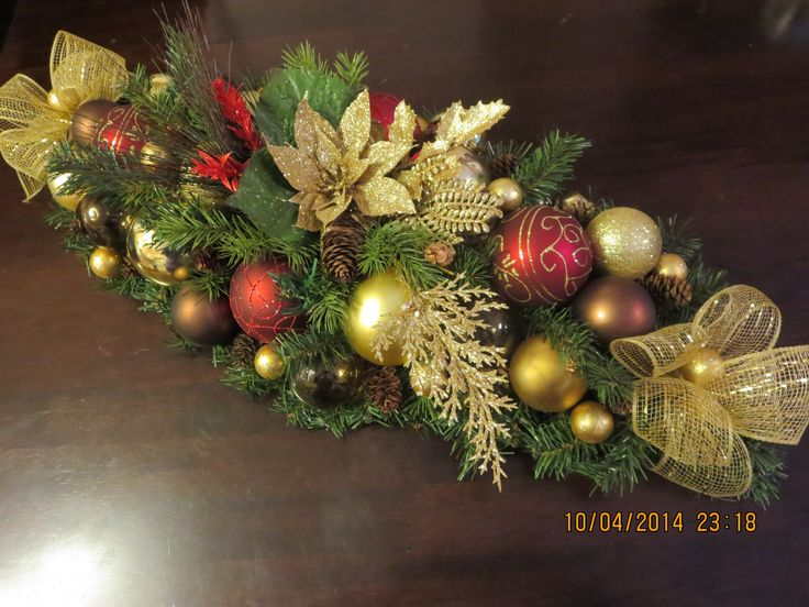 Did this piece for Heather B.  She loved it and now wants a matching wreath.  Love these colors.
