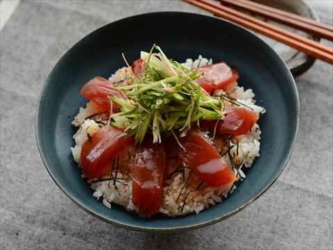 まぐろと香り野菜のづけちらし寿司  http://www.yamasa.com/recipes/1732/