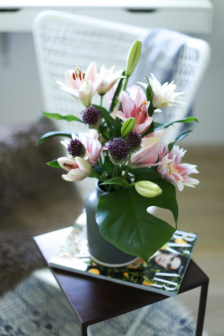Elegant Ankleidezimmer dekorieren mit Textilien M beln und Blumen