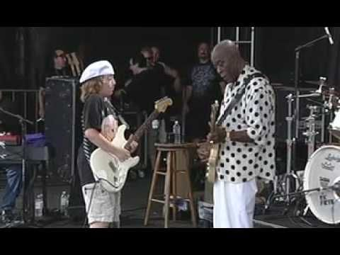 """This young boy has an amazing career ahead of him..just wow!  """"Quinn Sullivan"""" performing at The Gathering of The Vibes 2009 w/ """"Buddy Guy""""!"""