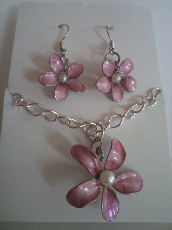 Pink Flower Nail Polish Set on Etsy, $15.00