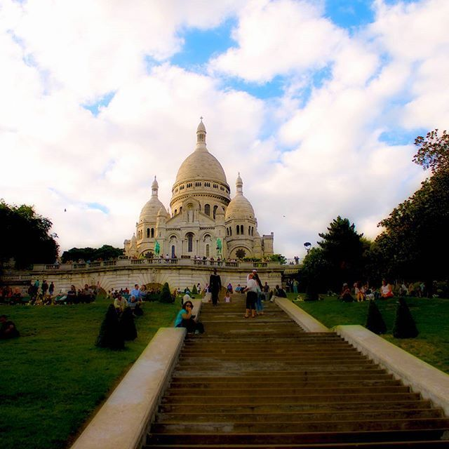 #SacreCoeur in #Paris, enchanting AF and the perfect place to have a panoramic view of the city.  #travelstoke #fotografiaunited #TravelBlog #travelstoke #MatadorN #lonelyplanet #huffpostgram #Canonphotography #GozandoEstoy #serialtraveler #iamtbb