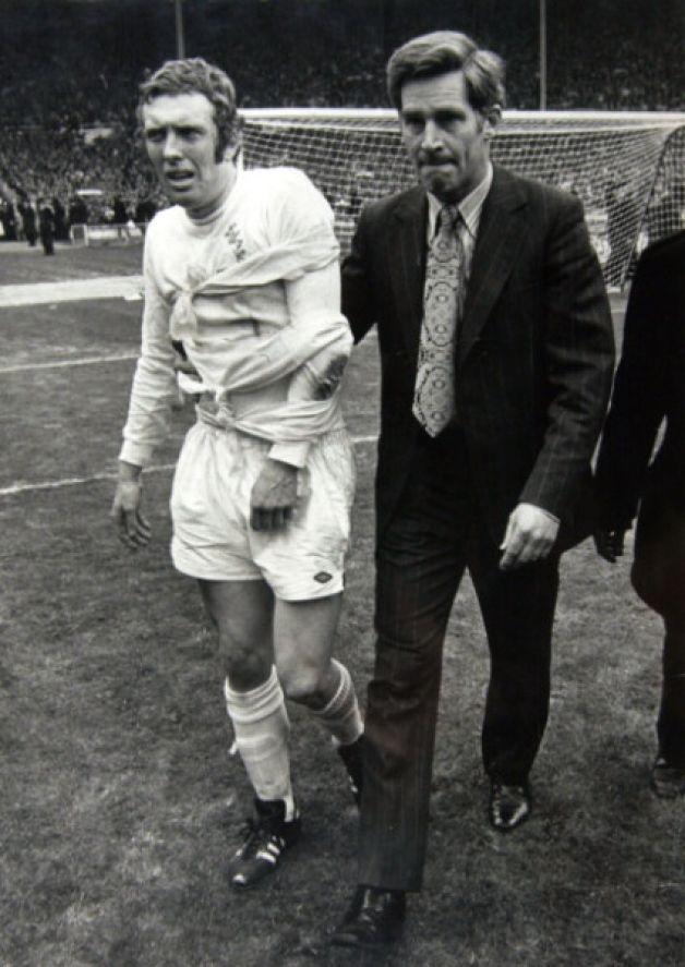 Dr Ian Adams with Mick Jones at the 1972 FA Cup final.