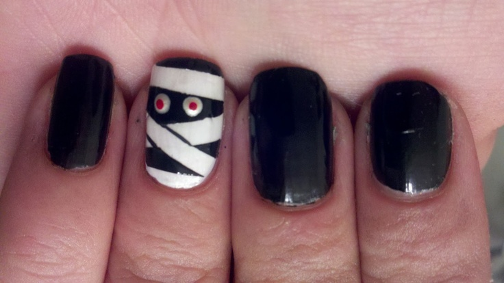 mummy nails = cute!! Halloween