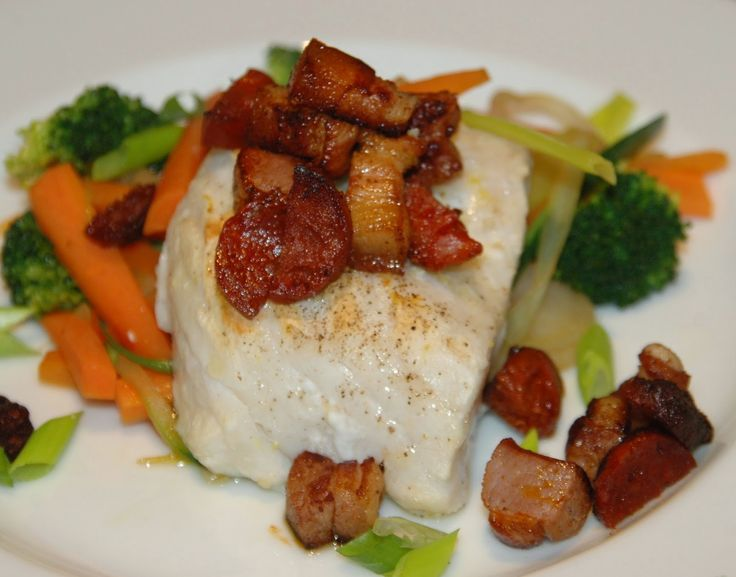 - Skrei med Grønnsakswok og Bacon-Chorizo - serve winter cod with woked vegetables and a mix of crispy bacon and chorizo