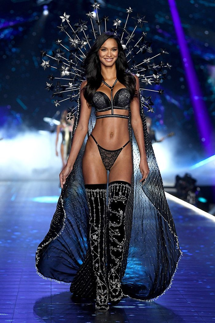 7753bc27e9 23 Must-See Looks From the Victoria s Secret Fashion Show