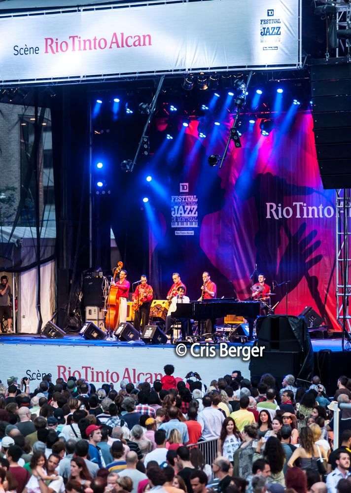 Montreal International Jazz Festival #Canada #Montreal #dicasdacrisberger #music #art #jazz #festival www.crisberger.com
