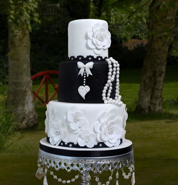 """Black and White """"Daisies and Pearls"""" wedding cake ~ all ..."""