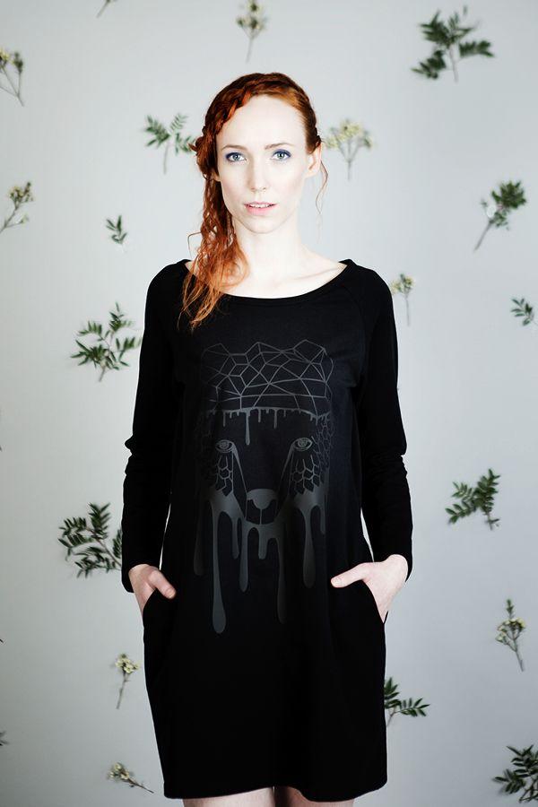 Uhana Design jersey dress with a bear print.