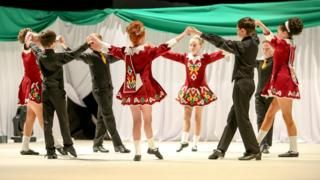 Irish/Ulster-Scots participation numbers fall - BBC News