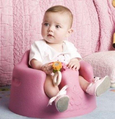 Bumbo è il rivoluzionario sedile ergonomico che consente al bambino piccolo di stare seduto in posizione eretta in modo sicuro