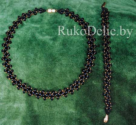 SCHEMAT : Комплект ''Змейка'': ожерелье и браслет, сплетенные их бисера
