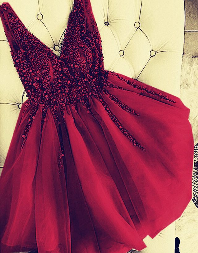 Luxurious Sequins Beaded V-neck Tulle Homecoming Dresses Short Party Dress