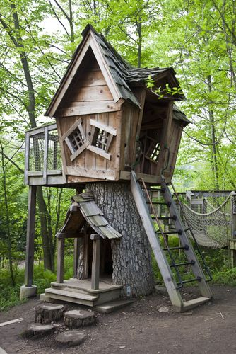 Creative Play House- I LOVE this!