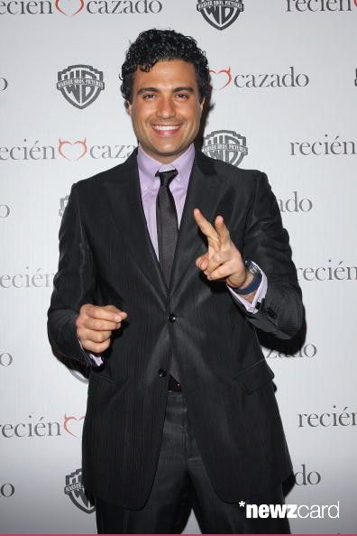 Actor Jaime Camil attends the premiere of 'Recien Cazado' at Plaza Cuicuilco on August 20, 2009 in Mexico City, Mexico.  (Photo by Victor Chavez/WireImage)