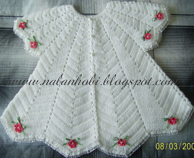 Very cute baby dress - size 12-18 month. Free pattern