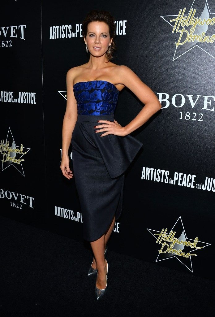 Kate Beckinsale dressed in Christian Dior dress.