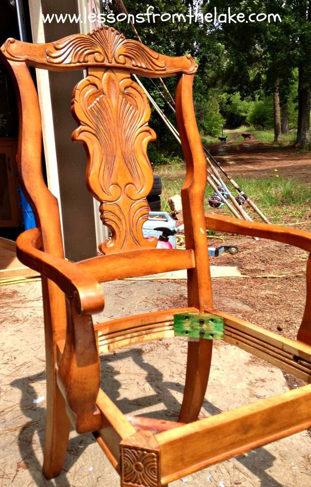 DIY Re-Do Chairs From 80's Blah To Vintage Wow! http://www.hometalk.com/7107876/form-80-s-blah-to-vintage-wow