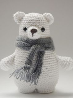 DIY-Anleitung: Amigurumi-Eisbär mit Schal selber häkeln, Kuschelbär, Kucheltier, Bär, Teddy, Geschenk für Kinder / DIY-tutorial: crocheting an amigurumi polar bear, soft toy, bear, teddy bear, present for kids via DaWanda.com