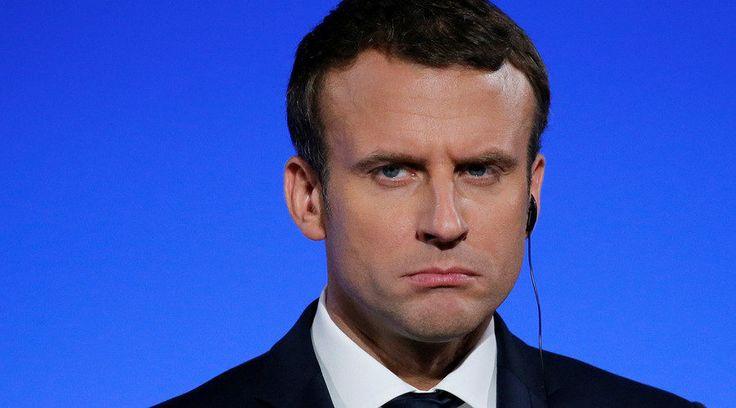 """Politique. En chute de dix points dans les sondages, Emmanuel Macron paie lourdement d'avoir humilié le chef d'état-major des armées et provoqué sa démission... Si certains dans son entourage admettent une première """"faute politique"""", le président..."""