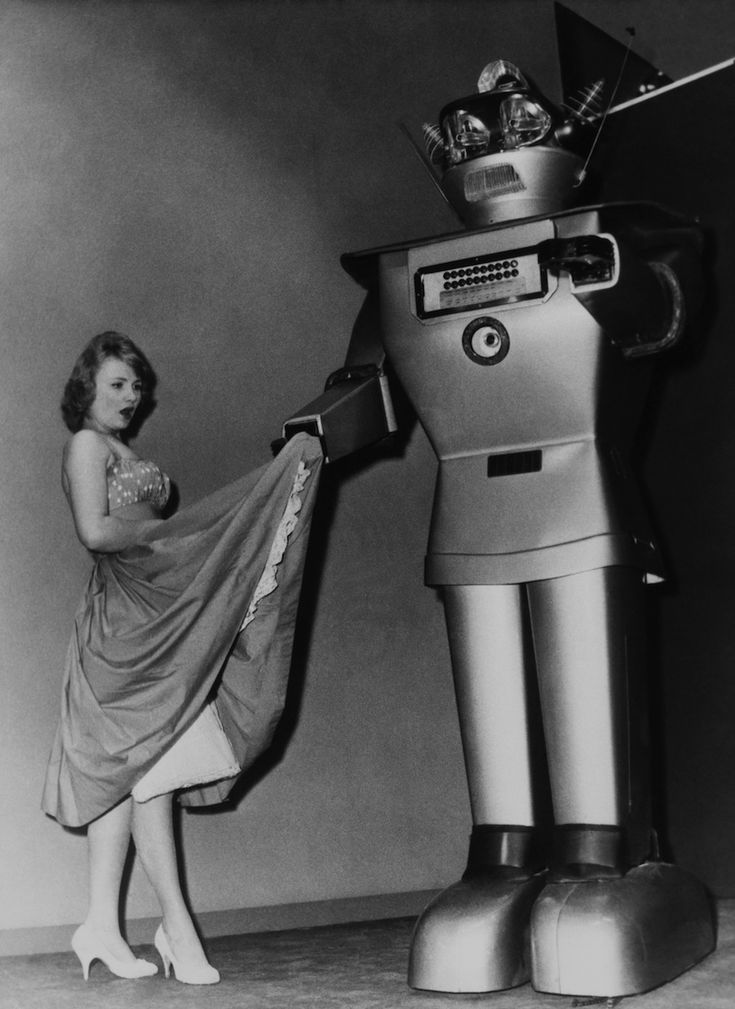 10 Vintage Robots Who Are Way More Awkward Than You
