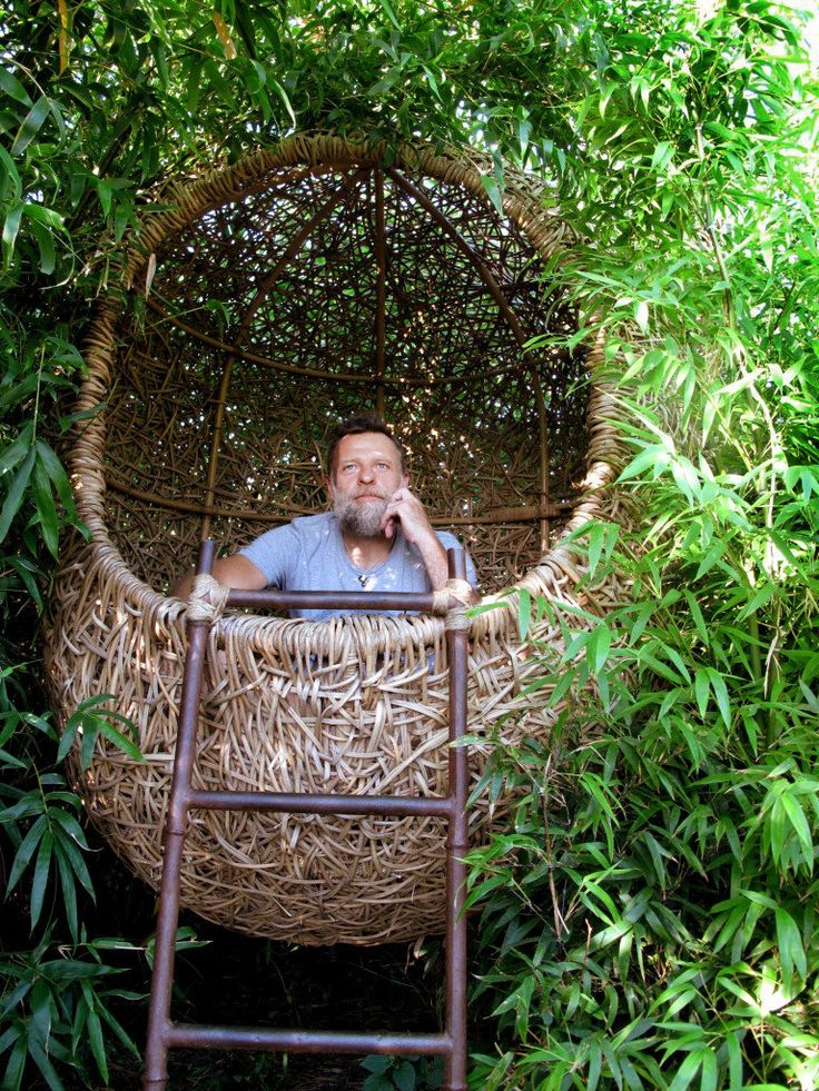 Porky Hefer, an advertising-creative-director-turned-nest-maker in South Africa, designs high-end nests inspired by those fashioned by weaver birds. The material used to build this one is kubu cane.