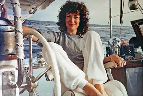 With saltwater in her hair, makeup-free skin, and comfortable clothing, Dixie Carter sits on the captain's chair, looking at the photographer, her husband Hal Holbrook.  She never looked less Hollywood, or more beautiful. The actress, had a whole other less-glamorous and outdoorsy life, which most of her fans knew little about.