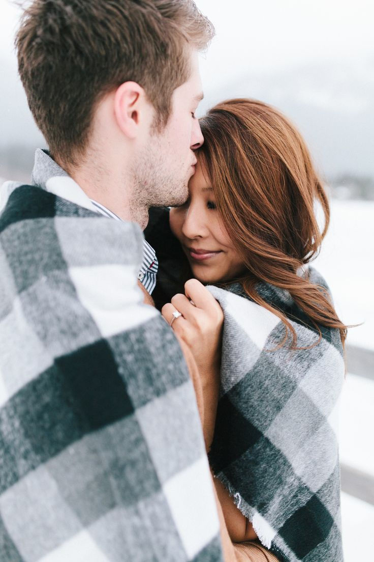 Keep Cozy with These Winter Engagement Sessions