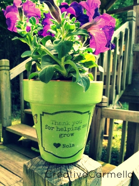 "Another pot (garden) idea for the teacher, this one simply saying ""Thank you for helping me grow"""