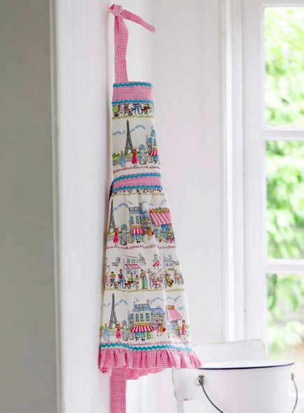 """Vintage Apron from """"Sewing Made Simple"""" - Craftfoxes"""