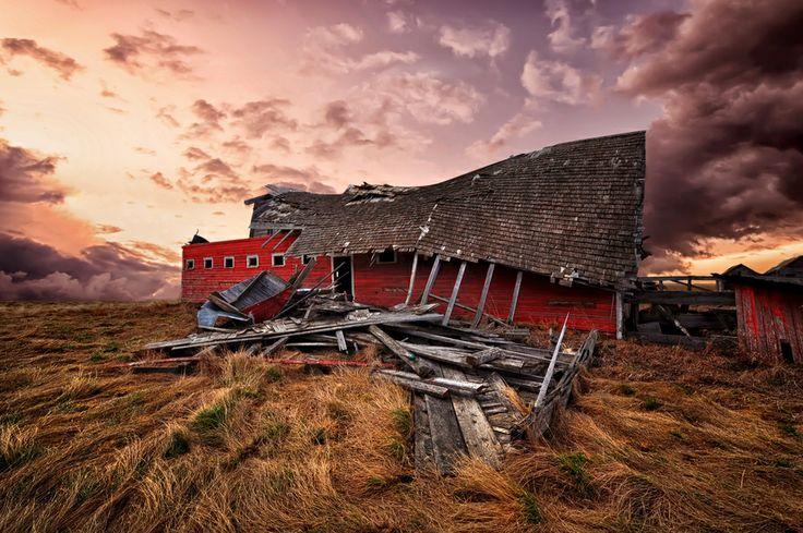 Old abandoned barn in Saskatchewan,Canada.: Photos, Barns Old New, Barn Basics, Barn Wood Furniture, Barns Churches, Barns Images, Abandoned Barns, Children'S Children, Photography Ideas